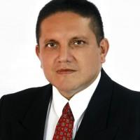 carlos mario gomez veithia, autor del poema'Nobleza''