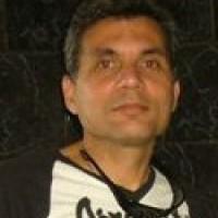 OmarGlez, autor del poema'Latidos''