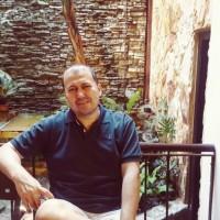 CarlosR, autor del poema'Fantasìas y realidades''