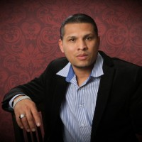 Carlos Recinos, autor del poema'Letting go''