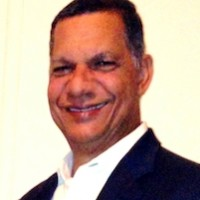 JOSE FLANDEZ, autor del poema'Tontamente enamorado''