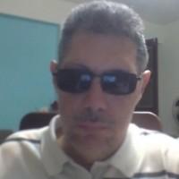jose Emilio Viggiani, autor del poema'…Si te vas...''