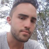 alejandrograjales, autor del poema'Fuera de mi''
